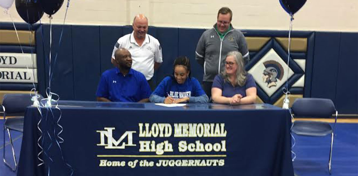 Photo for Women's Basketball signs Devin Cheatum for 2017-18