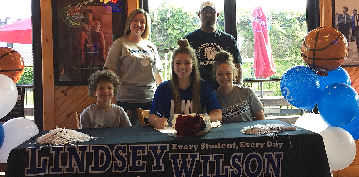 Photo for Women's Basketball signs high school standout Kiara Pankins for 2017-18